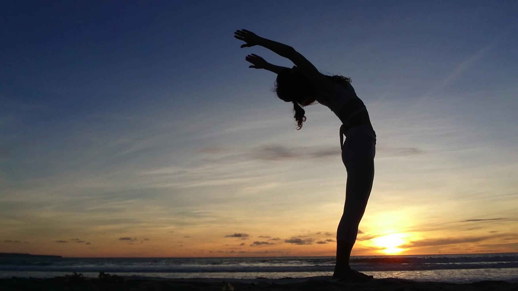 浜松で骨盤矯正ならほりかわ整体院:背骨の歪みは骨盤の影響かも